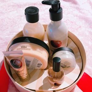 The body shop body wash&care 6 PC set